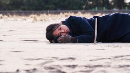 on the beach at night alone hong sang-soo grandfilm